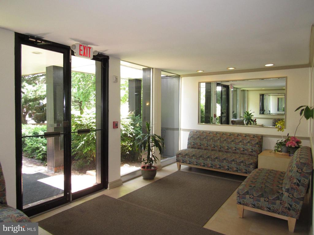 Lobby - 3701 5TH ST S #401, ARLINGTON