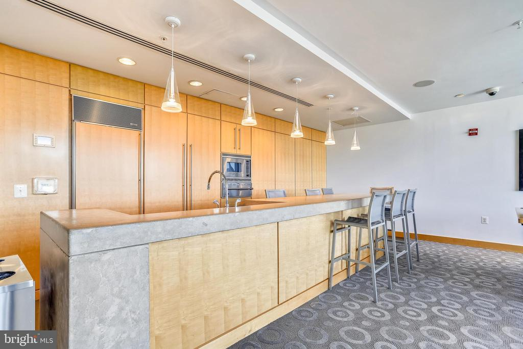 More great amenities - 2001 15TH ST N #1104, ARLINGTON