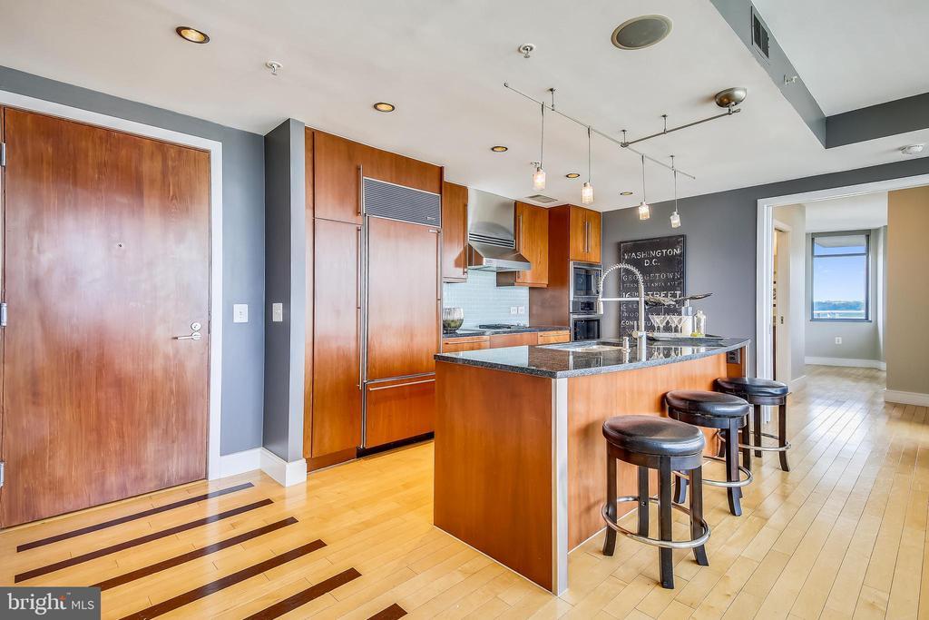 Welcome home! - 2001 15TH ST N #1104, ARLINGTON