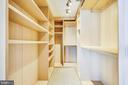 Massive walk-in closet in owner's suite - 2001 15TH ST N #1104, ARLINGTON