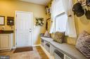 Large mud room off the garage w/ built ins - 52 WAGONEERS LN, STAFFORD