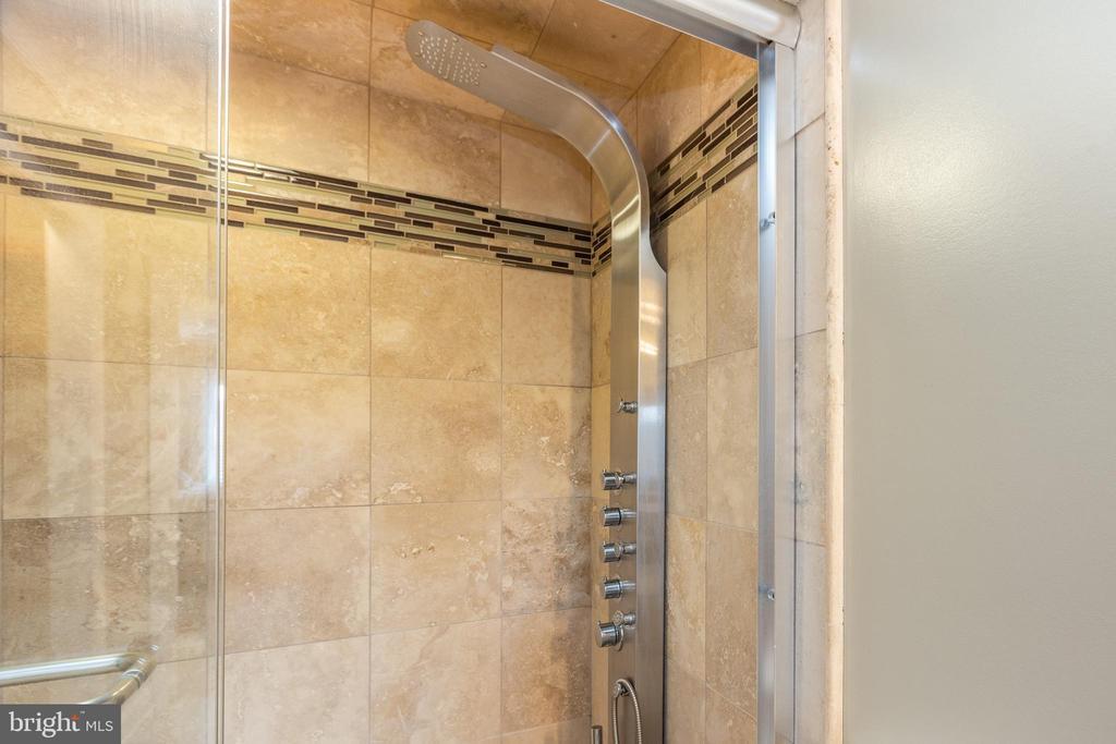 Master Bathroom - 3800 POWELL LN #705, FALLS CHURCH