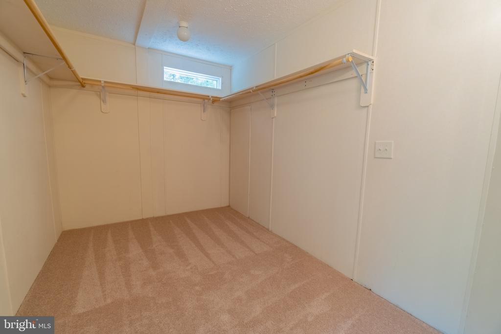 Huge Master Walk-in Closet - 11080 EDGEHILL ACADEMY RD, WOODFORD