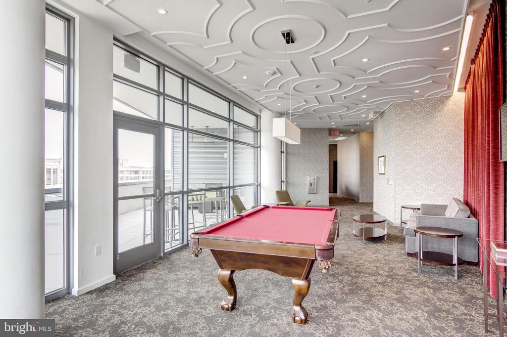 Sky lounge - 460 NEW YORK AVE NW #801, WASHINGTON