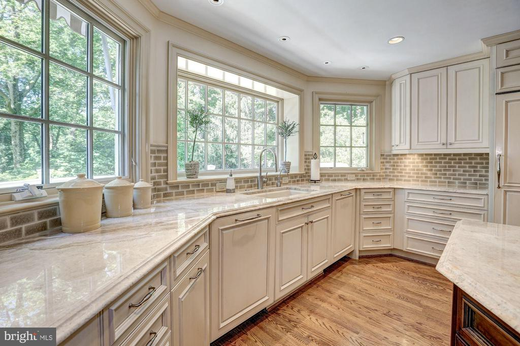 Award winning kitchen in 2015 by Bowa Builders - 10 STANMORE CT, POTOMAC