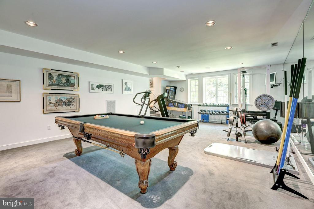 Exercise Room. Pool Table CONVEYS! - 10 STANMORE CT, POTOMAC