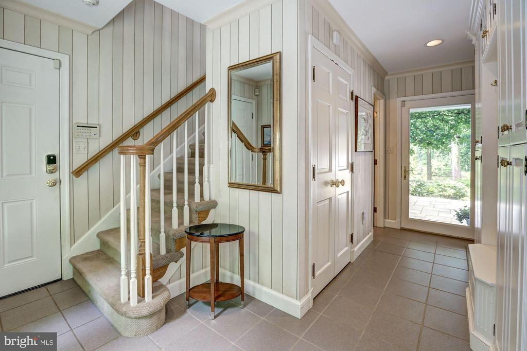 Mudroom, door to 4 car garage, back stairs - 10 STANMORE CT, POTOMAC