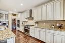 Chefs kitchen 6 burner gas range with large pantry - 3805 COLONIAL AVE, ALEXANDRIA