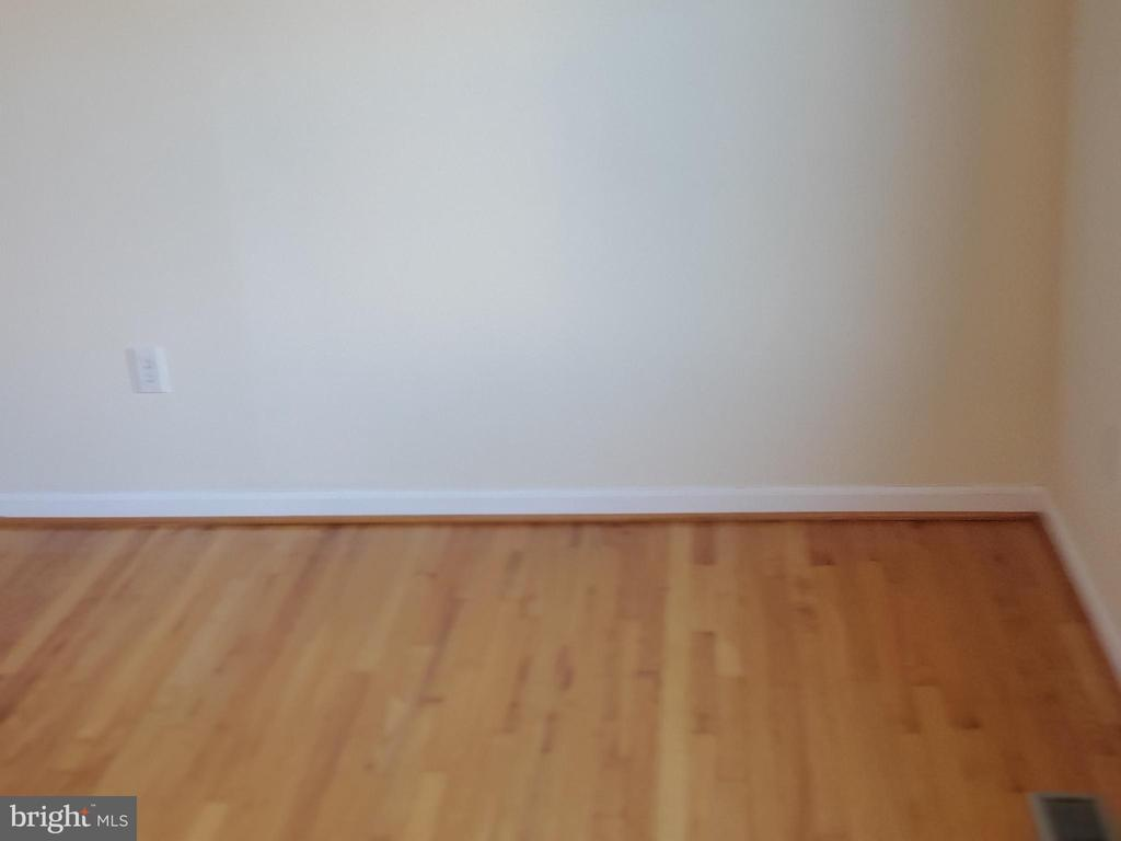 HARD WOOD FLOORS - 4236 CLOUDBERRY CT, BURTONSVILLE