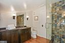 Upper level full bathroom #2 - 510 HAMMONDS CT, ALEXANDRIA