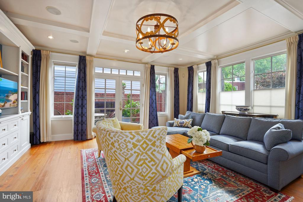 Living room with French doors leading to patio - 510 HAMMONDS CT, ALEXANDRIA