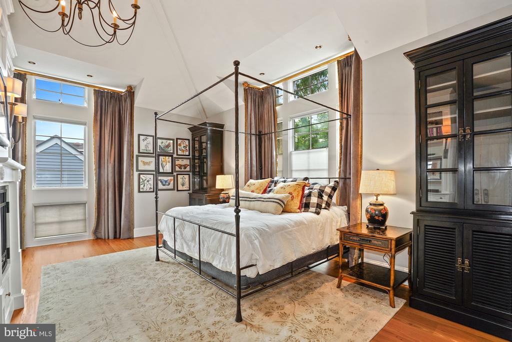 Master bedroom - 510 HAMMONDS CT, ALEXANDRIA