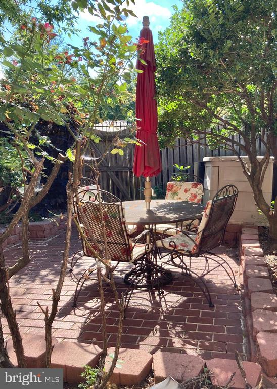 Comfortable patio - 3572 S STAFFORD ST, ARLINGTON