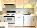 Efficient and fully functional kitchen - 3572 S STAFFORD ST, ARLINGTON