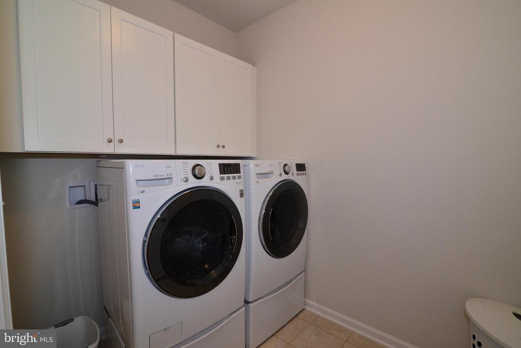 Upper laundry - 24890 DAHLIA MANOR PL, ALDIE