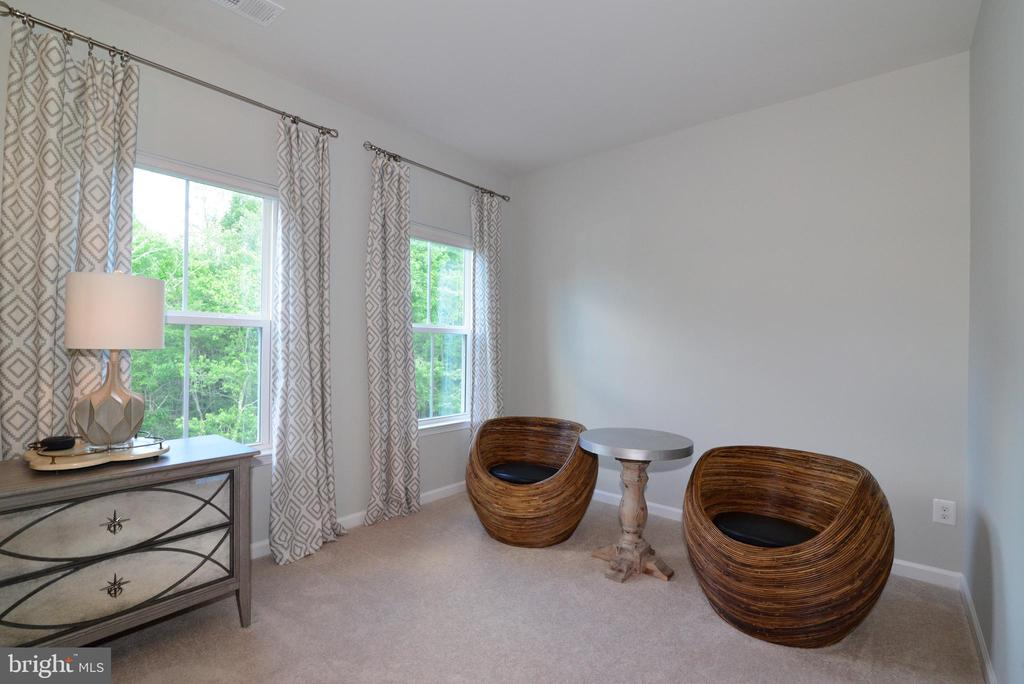 Master sitting area - 24890 DAHLIA MANOR PL, ALDIE