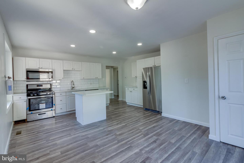 Single Family Homes pour l Vente à Brooklawn, New Jersey 08030 États-Unis