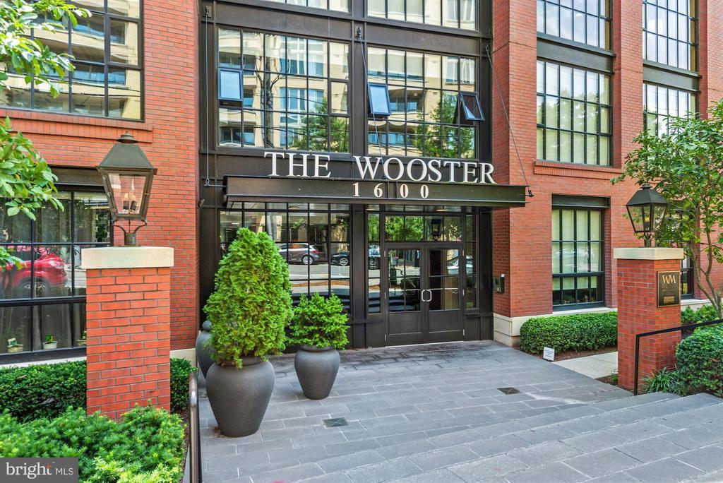 Wooster and Mercer Lofts - 1600 CLARENDON BLVD #W107, ARLINGTON
