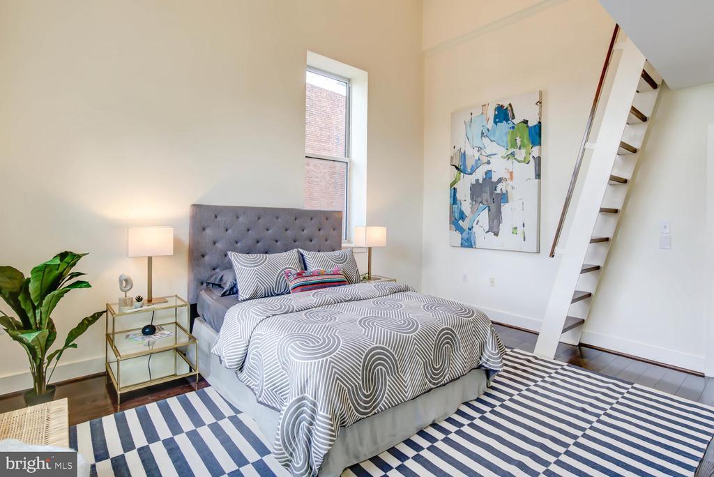 Owner's suite with loft area - 1341 MARYLAND AVE NE #103, WASHINGTON