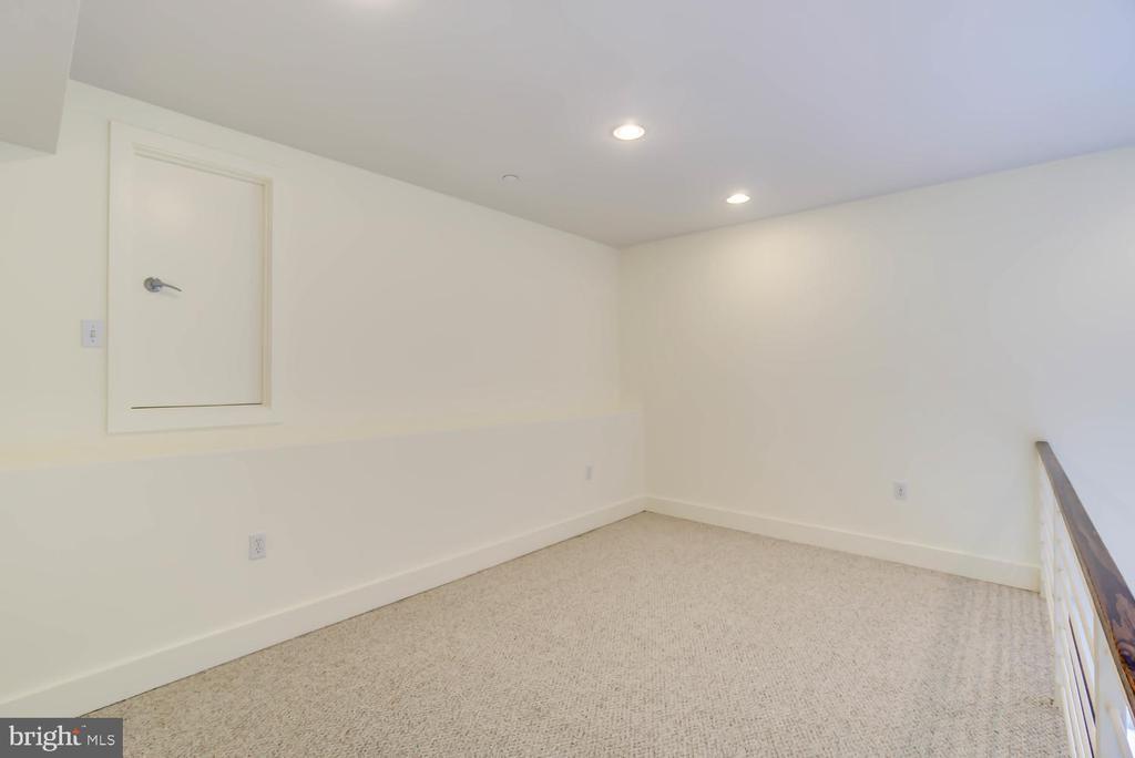 Lofted space and attic access (storage) - 1341 MARYLAND AVE NE #103, WASHINGTON