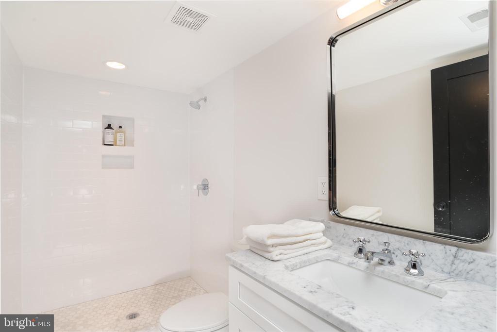 Lower Level Full Bath - 24 CHANNING ST NW, WASHINGTON