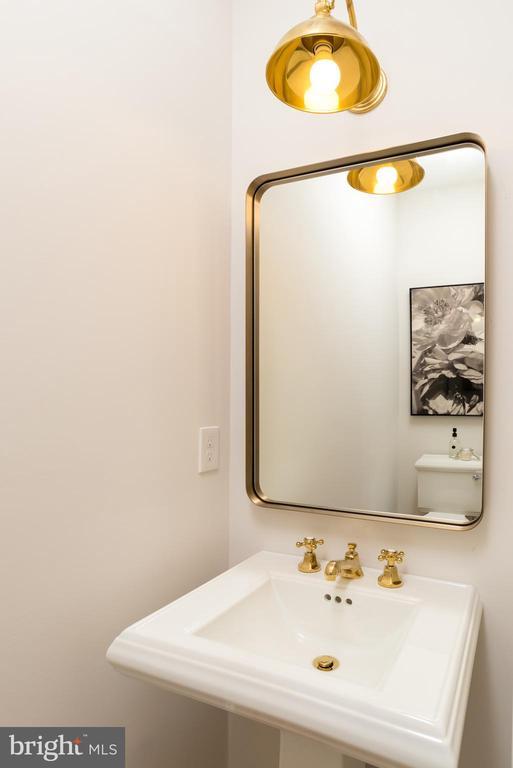 main level half bath - 24 CHANNING ST NW, WASHINGTON
