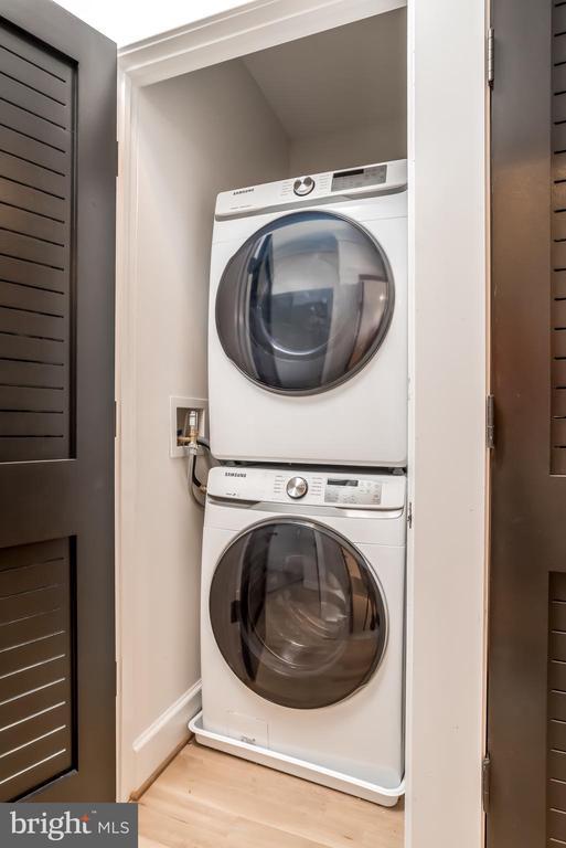 Upper Level Laundry - 24 CHANNING ST NW, WASHINGTON