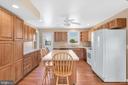 23880 -Eat-In Kitchen w/ Island, HWFs, Ceiling Fan - 23880 ALDIE DAM RD, ALDIE