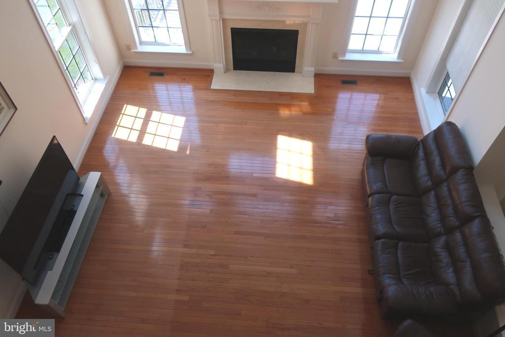 Family Room - 4512 CARRICO DR, ANNANDALE