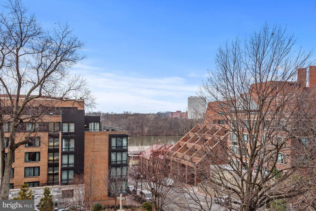 VIEW OF THE POTOMAC FROM PRIVATE BALCONY - 1055 WISCONSIN AVE NW #4E, WASHINGTON