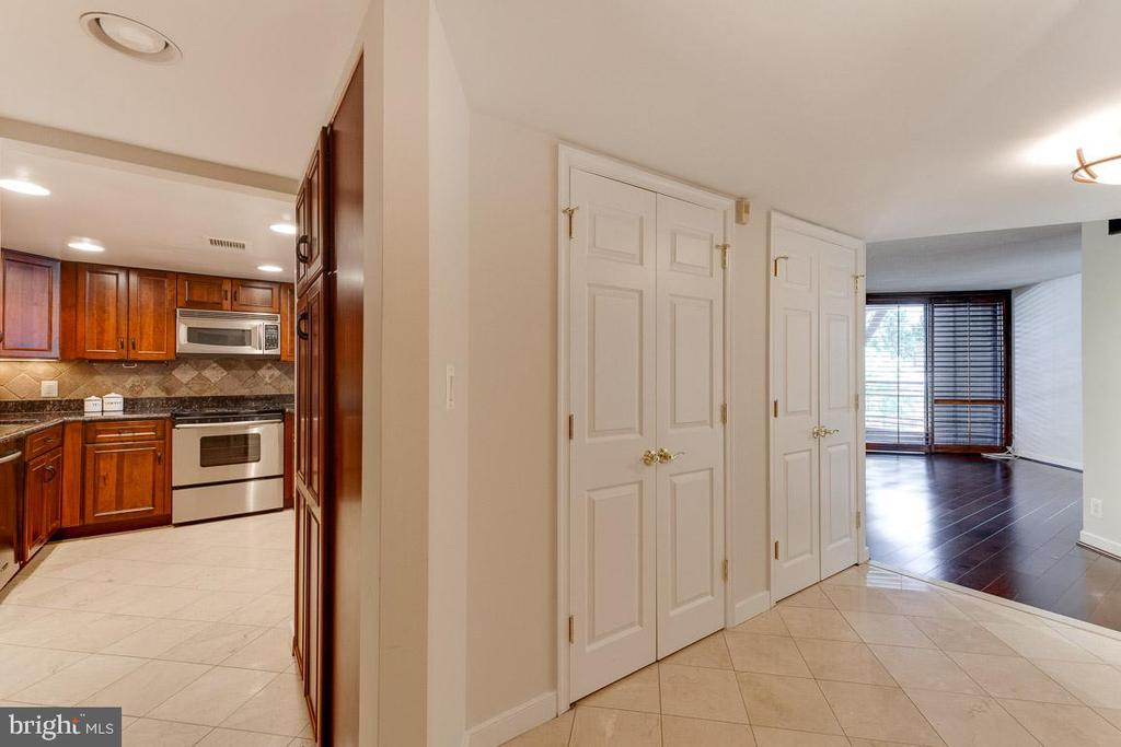 Entryway to your new home. - 1099 22ND ST NW #304, WASHINGTON