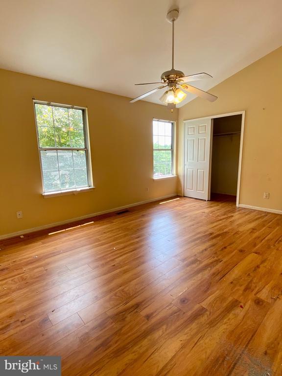 Upper Level Master Bedroom - 209 ASTON CT, STAFFORD
