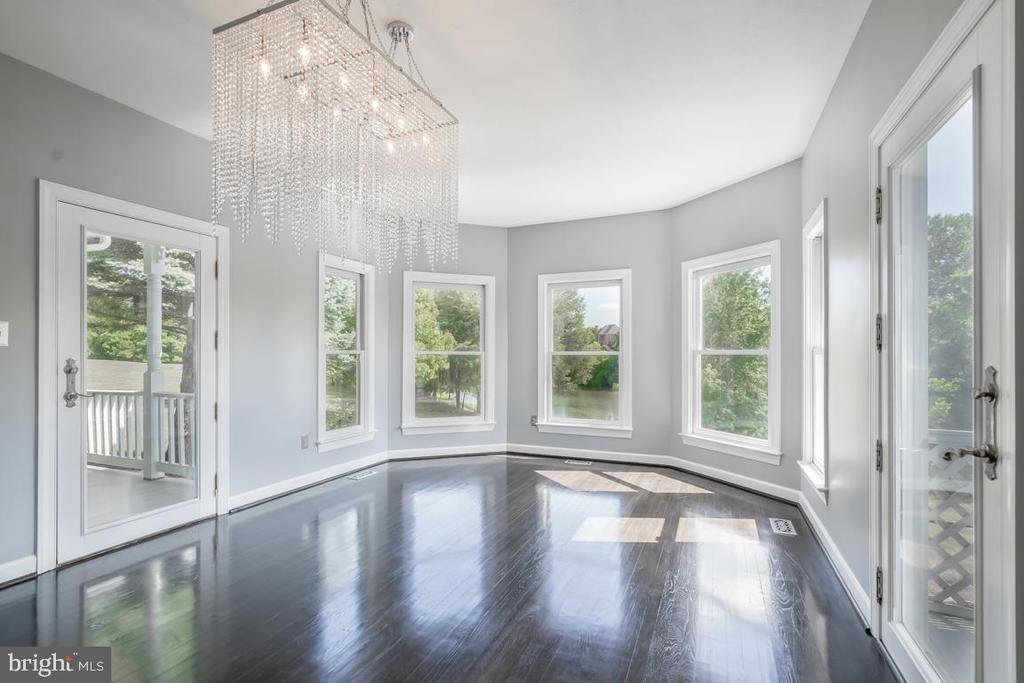 Separate Dining Room With Wall of Windows - 22669 WATSON RD, LEESBURG