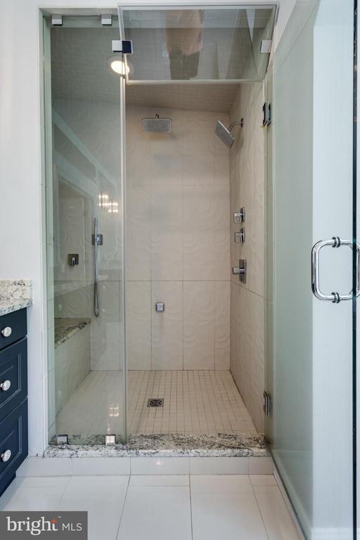 Master Suite Bathroom - 11329 HENDERSON RD, FAIRFAX STATION
