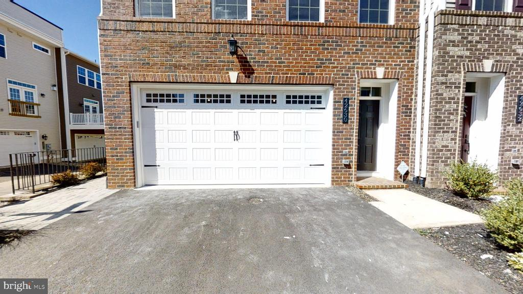 2 Car Front Load Garage - 42630 HARLOW MEADOWS TER, DULLES