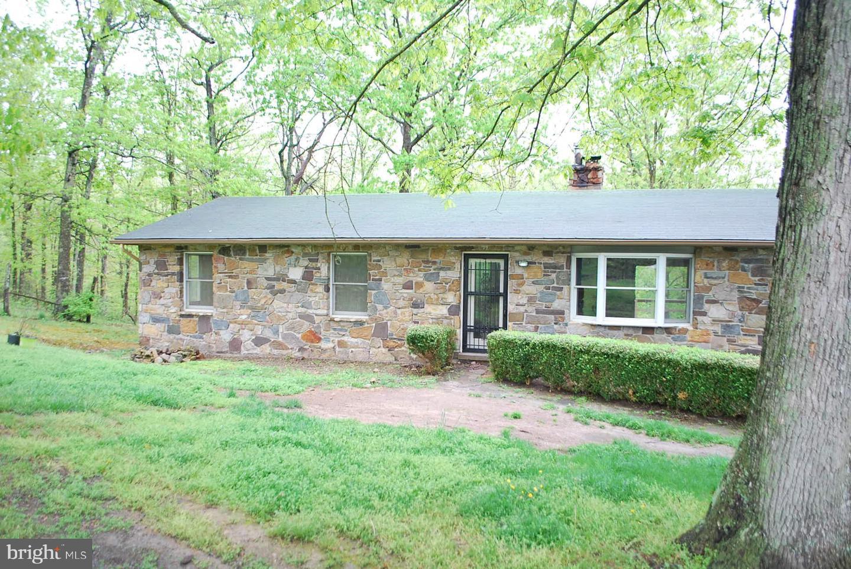 Single Family Homes 为 销售 在 Capon Bridge, 西弗吉尼亚州 26711 美国