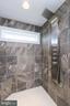 Oversized shower - 6851 E SHAVANO, NEW MARKET
