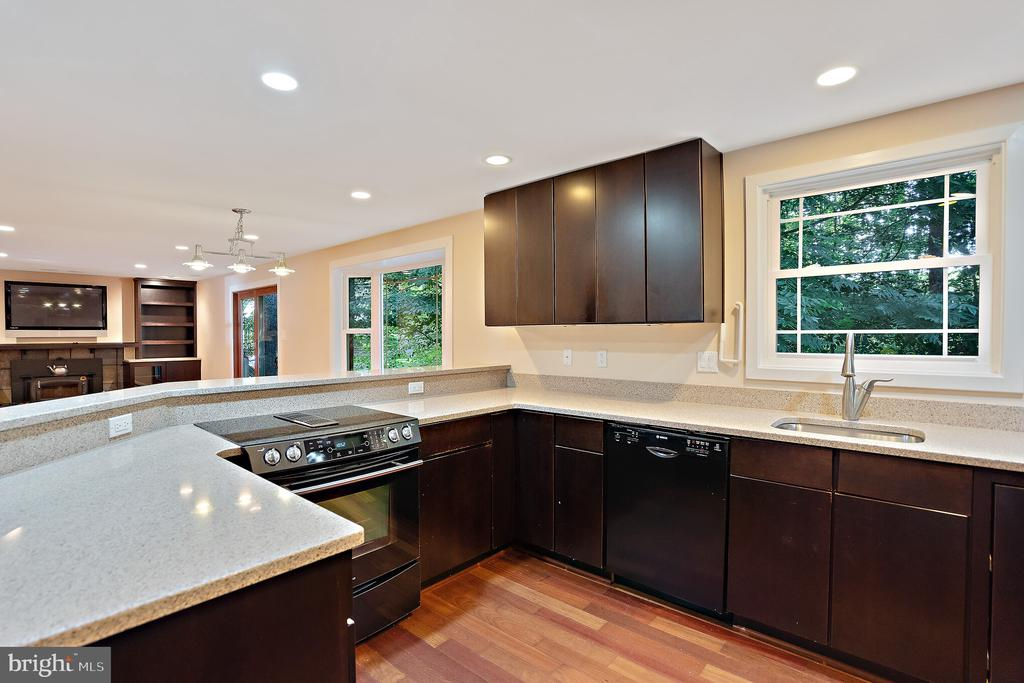Kitchen - 11945 APPLING VALLEY RD, FAIRFAX