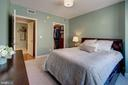 Owner's bedroom - 1020 N HIGHLAND ST #413, ARLINGTON