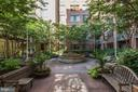 Courtyard - 1020 N HIGHLAND ST #413, ARLINGTON