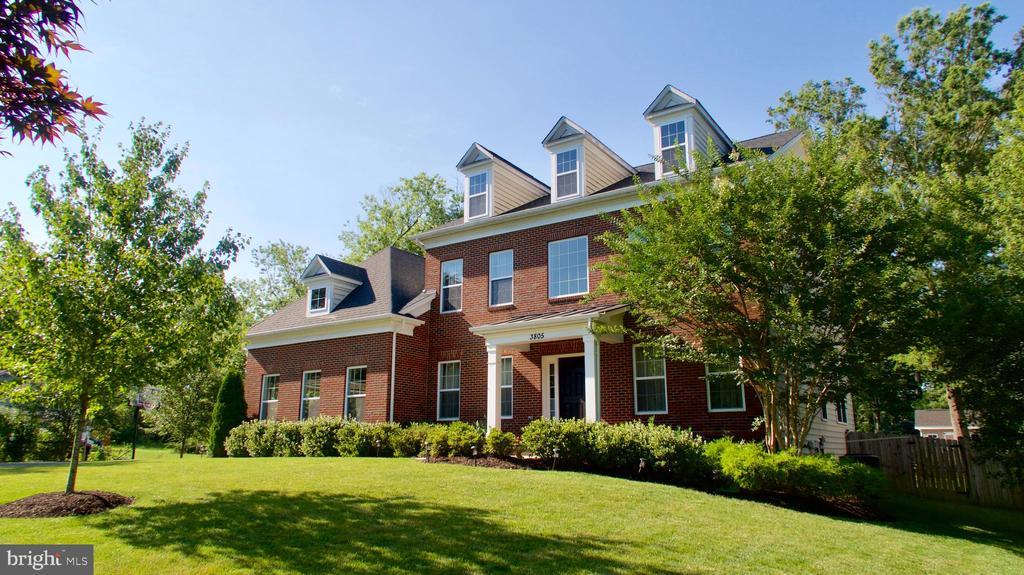 Stately colonial on half acre lot with pool - 3805 COLONIAL AVE, ALEXANDRIA