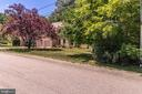 Located on a quiet cul-de-sac  close to everything - 3720 SPICEWOOD DR, ANNANDALE