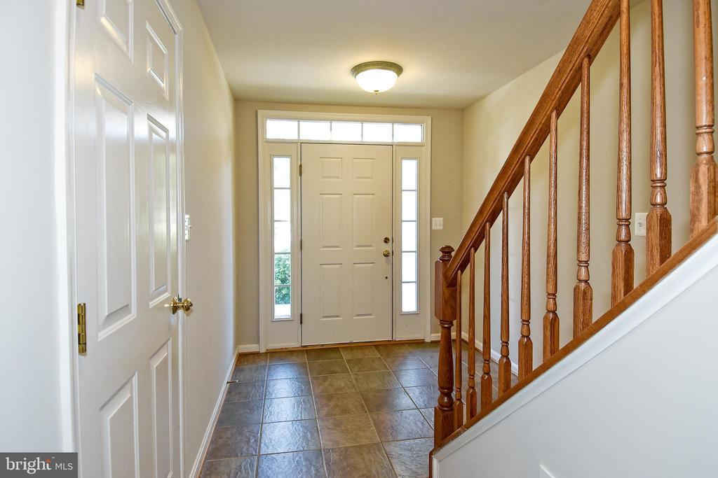 Foyer - 11872 BENTON LAKE RD, BRISTOW