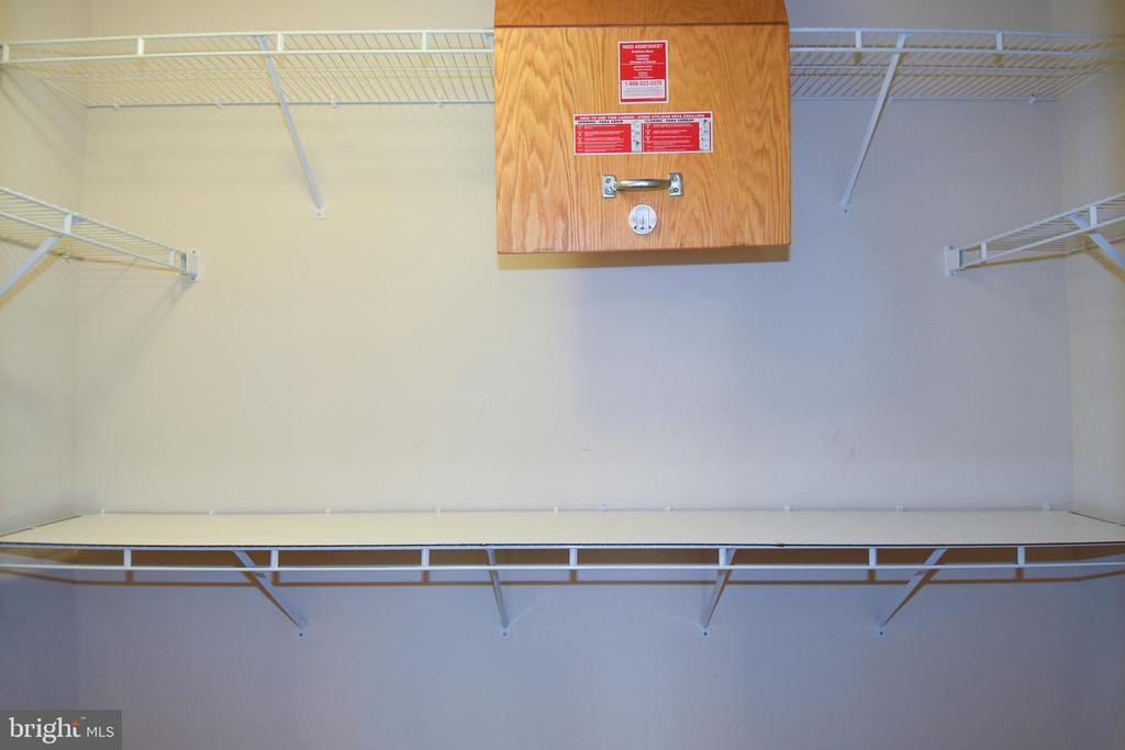 Primary Bedroom Walk-In Closet - 11872 BENTON LAKE RD, BRISTOW
