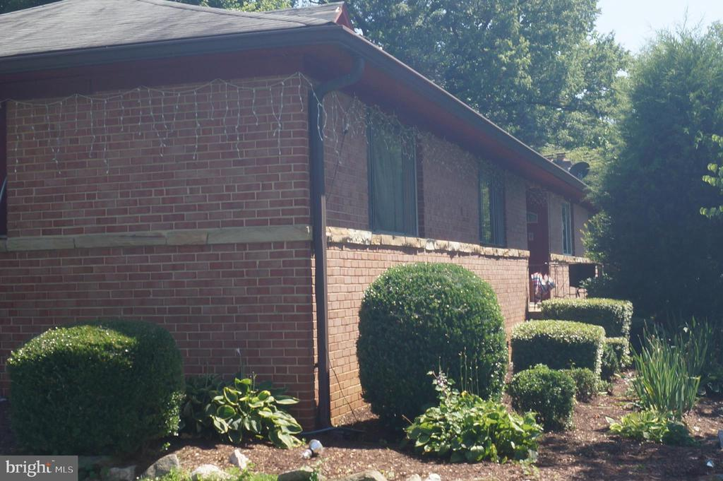 - 11412 VEIRS MILL RD, SILVER SPRING