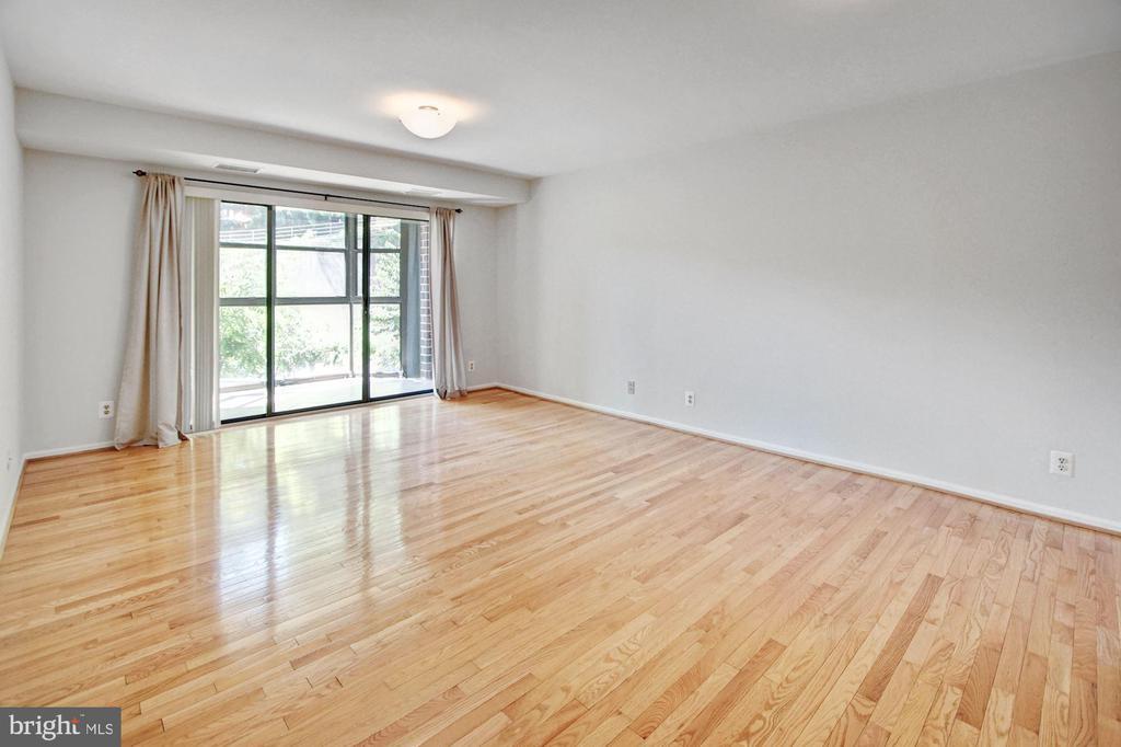 Living room - 2100 LEE HWY #241, ARLINGTON