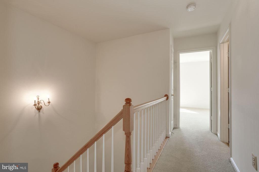 Upper Hallway - 2504 CLOVER FIELD CIR, HERNDON