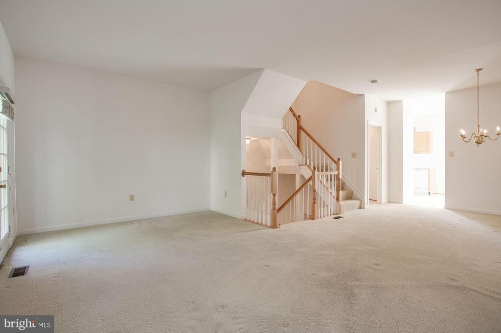 Living Room - 2504 CLOVER FIELD CIR, HERNDON