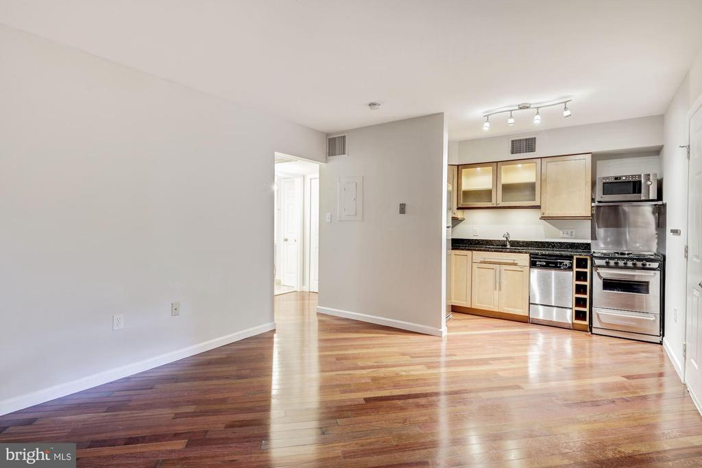 Living Room | Dining Room | Kitchen - 10 W ALL SAINTS ST #102, FREDERICK