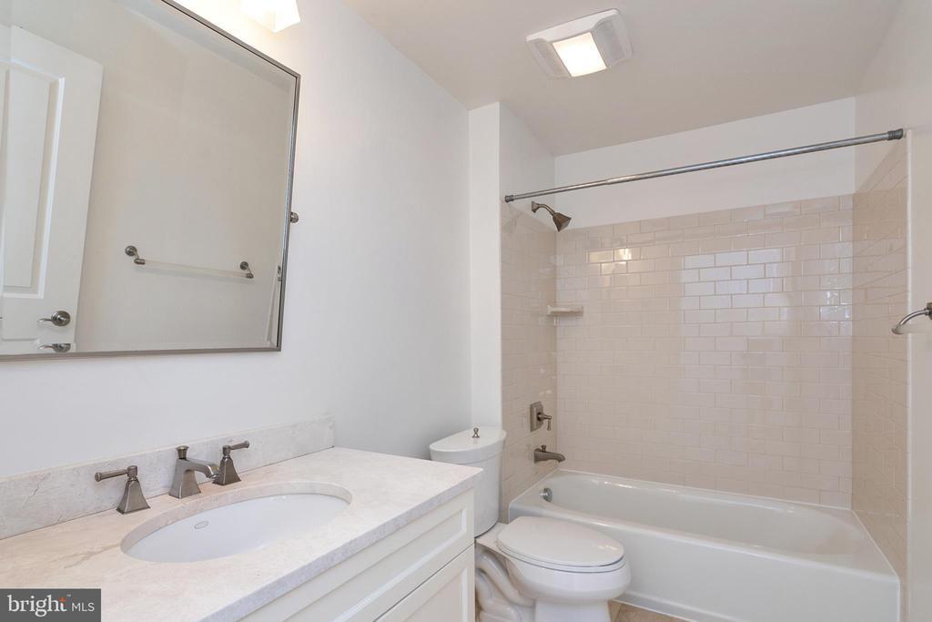 Guest bathroom - 1830 JEFFERSON PL NW #14, WASHINGTON